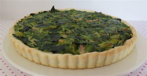 cuisiner les verts de poireaux tarte au vert de poireaux ma p 39 tite cuisine