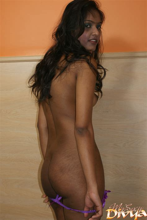 Dark Haired Young Indian Babe In National O Xxx Dessert