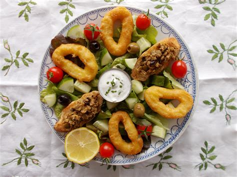 salade espagnole aux beignets de calamar et tapenade toque de choc