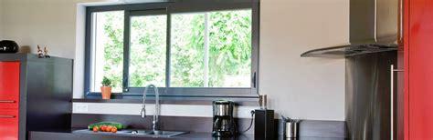 fenetre atelier cuisine fenêtre coulissante cuisine fenêtre d 39 atelier pour cuisine