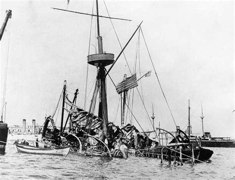 uss maine battleship sinking in harbor the battleship uss maine as it sinks by everett