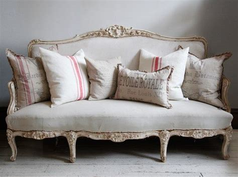 Antique Settee Sofa by 25 Best Ideas About Antique Sofa On Antique