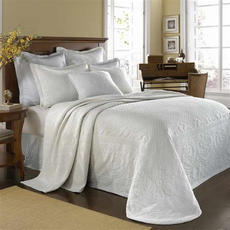 Cheap Coverlets by Bedspreads And Comforters