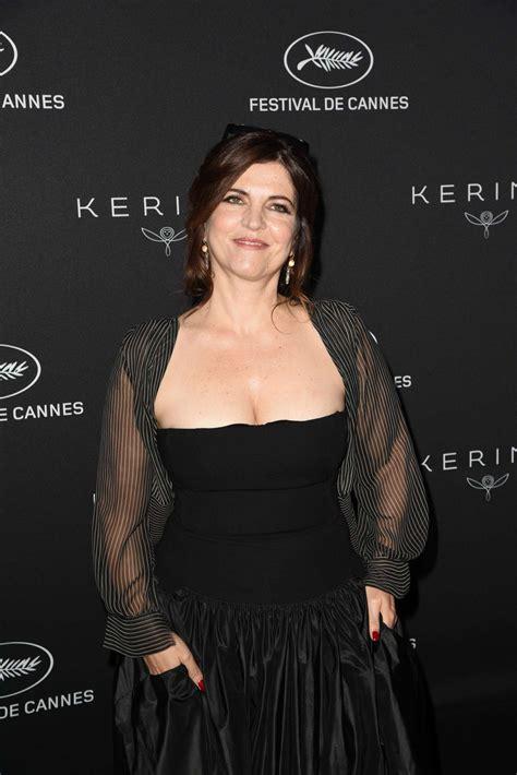 Actrice, réalisatrice, adaptation, auteur de l'œuvre originale, scénariste, voix. Agnes Jaoui: Kering Women in Motion Awards 2017 -03 - GotCeleb