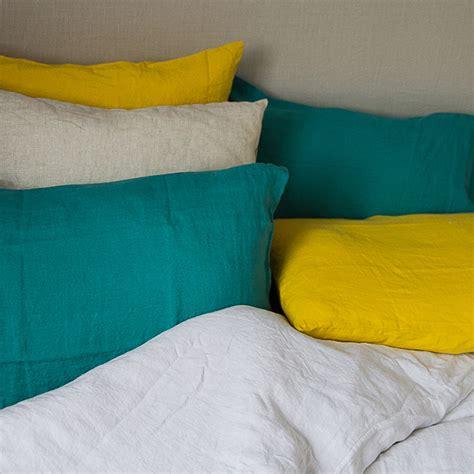 vers blanc cuisine linge de lit chemin de lit lavé