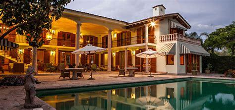 bedroom lake front tuscan villa  sale ajijic