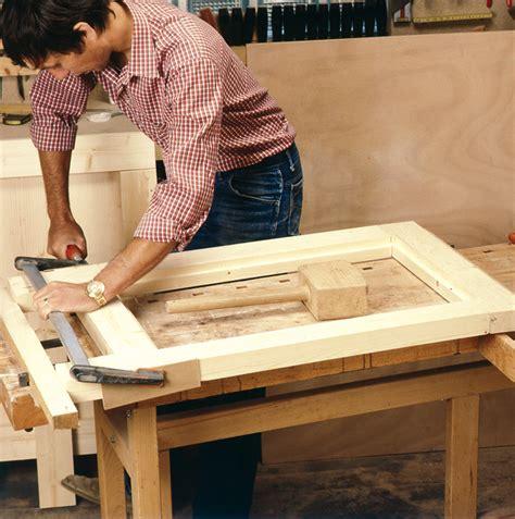 fabriquer meuble cuisine fabriquer une porte de meuble de cuisine image sur le