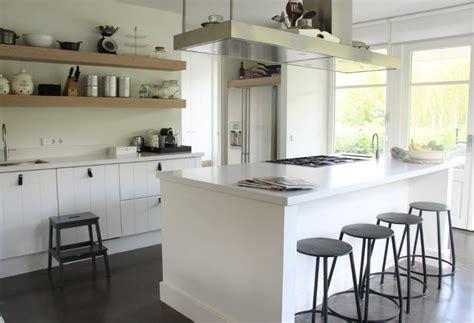 modern country style kitchens кухня всекидневна 2017 100 най добри проектни идеи в 7605