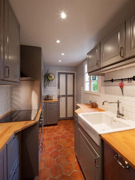 renover carrelage cuisine davaus cuisine avec tomette avec des idées intéressantes pour la conception de la