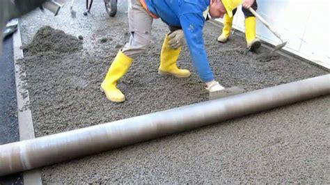 terrassenplatten in trenagebeton verlegen walzen und glaetten drainbeton 2012