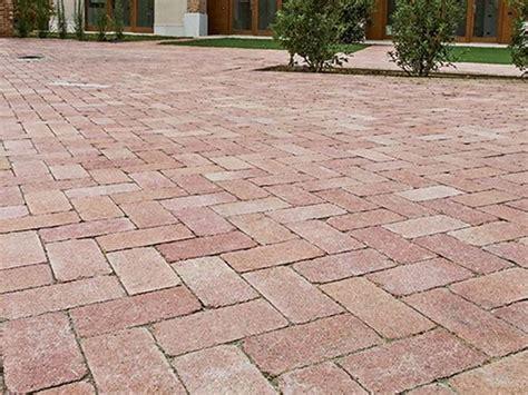 Pavimenti Giardini by Mattonelle Per Giardini Pavimenti Per Esterni Guida