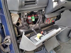 Relais Clignotant Peugeot Expert : une fois d mont la centrale est accessible 806 gazporc photos club ~ Gottalentnigeria.com Avis de Voitures