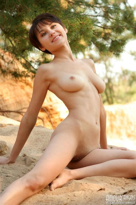 Amazing Short Haired Teen With Expressive Features Of Her Elastic Body Is Showing Her Beautiful