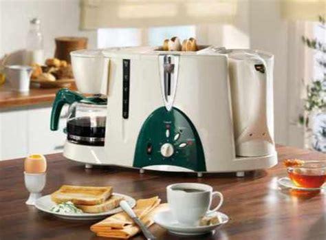 toaster und wasserkocher kaffeemaschine wasserkocher und toaster in nur einem ger 228 t gadgetwelt de