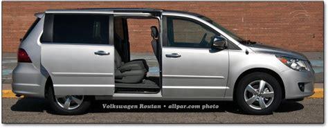 2011 Volkswagen Routan Minivan Car Review