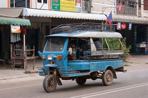 tuk tuk cuisine file tuk tuk in savannakhet 01 jpg