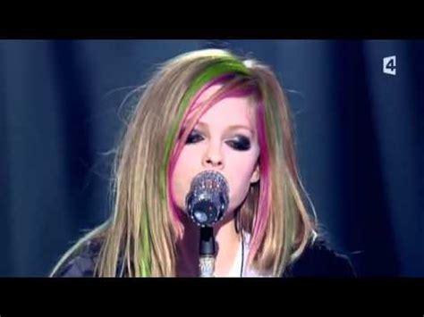 Avril Lavigne - Tik Tok - tekst piosenki, tłumaczenie ...