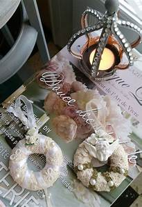 Shabby Chic Accessoires : couronnes suspendre dentelle et angelo esprit shabby chic accessoires de maison par les ~ Markanthonyermac.com Haus und Dekorationen