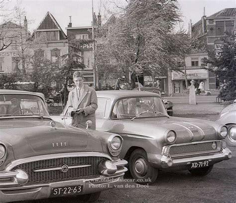 F-type Vauxhall Victor De-luxe Saloon Cars