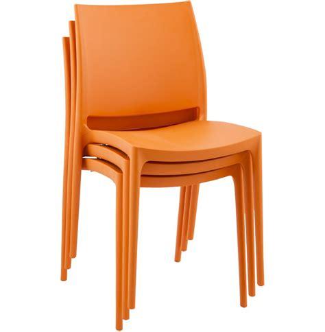 chaise plastique design chaise design enzo chaise moderne orange en matière