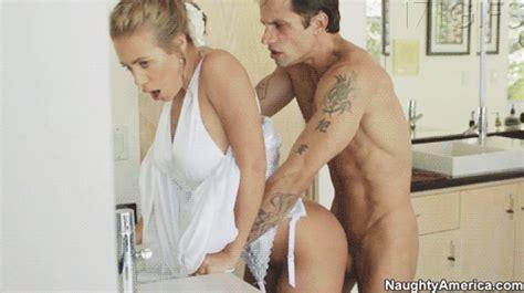 Nicole Aniston Haciendo De Puta