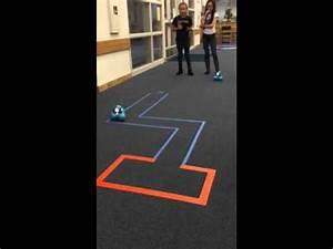 4th graders program Dash robot through maze. - YouTube