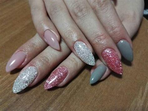 rosa glitzer gelnägel unghie a stiletto rosa naturale griglio chiaro glitter
