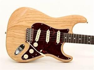 Fender U00ae Classic Series 70s Stratocaster U00ae  Rosewood