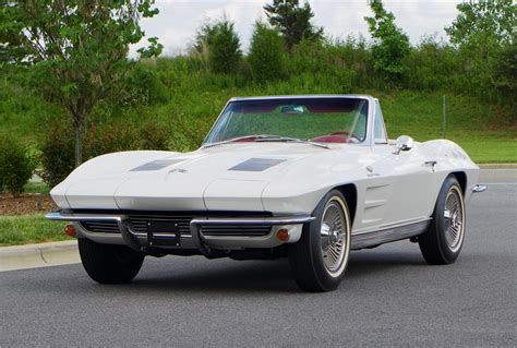 1963 Chevrolet Corvette Convertible 157595