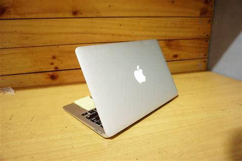 Laptop Macbook Air Mjvm Early Eksekutif Computer