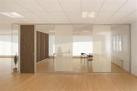 cloison de bureau en verre cloison modulaire vitr 233 e cloison de bureau en verre