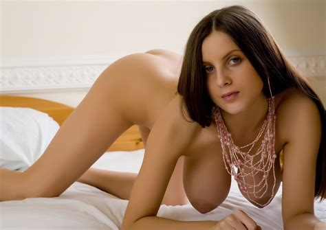 Sexy Brunette Boobdude