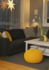 Coussin Gris Et Jaune : la couleur jaune moutarde nouvelle tendance dans l ~ Dailycaller-alerts.com Idées de Décoration