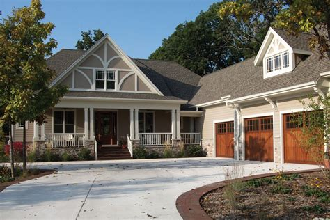style floor l craftsman style house plan 3 beds 2 5 baths 2325 sq ft
