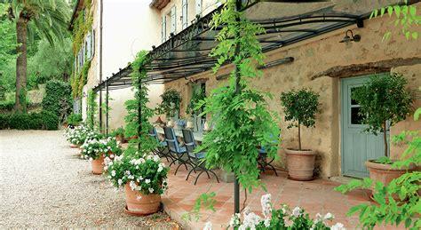 cuisine du dimanche déco terrasse notre sélection pour s 39 imaginer en provence