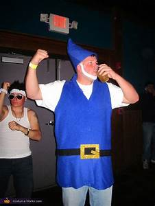Homemade Gnomeo and Juliet Costume for Couples - Photo 2/2