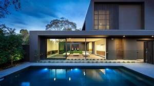 Maison design avec des couleurs chaudes