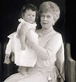 These Cute Photos of a Young Queen Elizabeth II Will Make ...