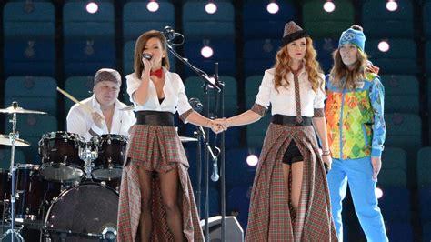 Yes The Pseudo Lesbian Band T A T U Sang At Sochi S