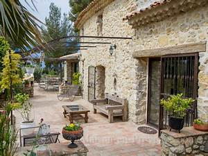 holiday provencal detached house private pool stone With moulin en pierre pour jardin 4 decoration en pierre pour la maison deco jardin terrasse