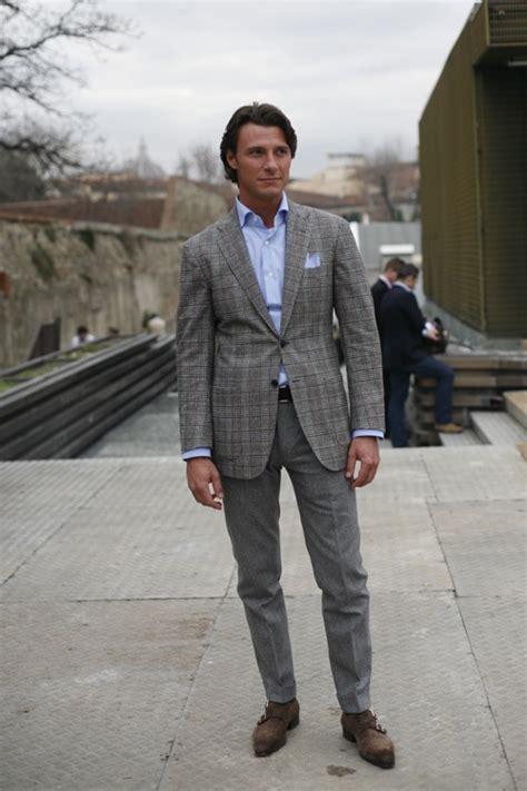 ways  wear  grey suit modern mens guide