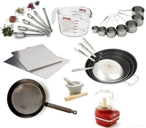 Kitchen Essentials Utensils by Cookware Kitchen Utensils Clipart 20 Free Cliparts
