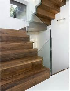halbgewendelte treppe die 25 besten ideen zu halbgewendelte treppe auf treppenbeleuchtung led led