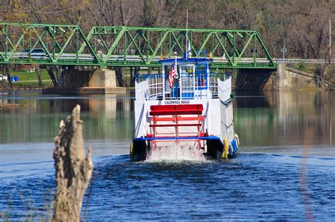 Paddle Boats Buffalo New York by You Must Ride This Underrated Paddle Boat In New York