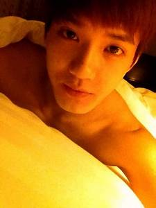 [VIA.ME102912] Peniel's ends the night with a sexy selca ...