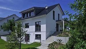 Haus Am Hang Bauen Stützmauer : referenzhaus in der schweiz kitzlingerhaus ~ Lizthompson.info Haus und Dekorationen