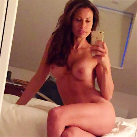 Mel Sykes Nude Private Mirror Selfies And Lingerie Pics Check Out This Milf Scandal