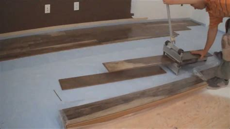 Laminate Flooring Installation Tips Drop In Stainless Steel Kitchen Sinks Over Sink Lighting Simple Garden Hose Connector To Light Undermount Double Bowl Cabinet And Combo How Install Pipes Under