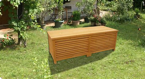 coffre a bois exterieur coffre de rangement en bois massif