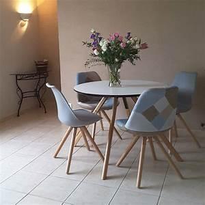 Table Cuisine Scandinave : chaise scandinave gouja blanche chaise design ~ Melissatoandfro.com Idées de Décoration
